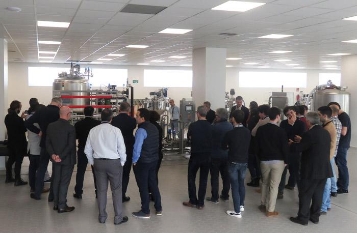 Sesión en la planta piloto: equipos CIP